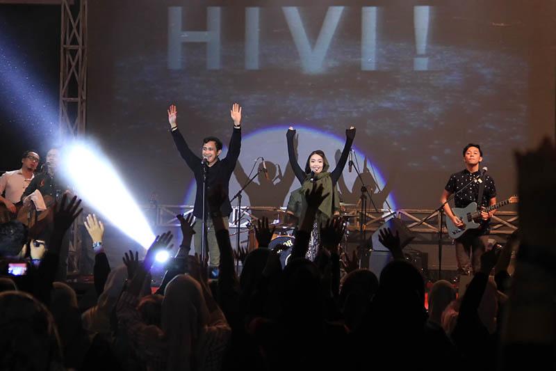 HIVI (Haivai) grup musik Indonesia tampil dalam acara The Annual Radio Unplugged 2016 di gedung AAC Dayan Dawood, Darussalam, Banda Aceh (Foto M Iqbal/SeputarAceh.com)