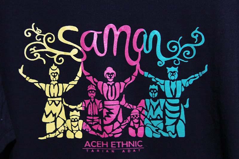 Salah satu desain tari saman pada baju kaos acara Aceh Clothing Festival 2016, Banda Aceh (Foto M Iqbal/SeputarAceh.com)