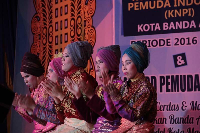 Penyandang Disabilitas tampil dalam acara Pelantikan Pengurus KNPI Kota Banda Aceh (Foto M Iqbal/SeputarAceh.com)