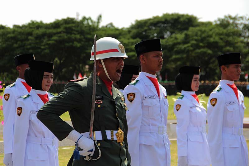 Komandan bersiap lapor kepada Inspektur upacara HUT RI ke-71 (Foto M Iqbal/SeputarAceh.com)