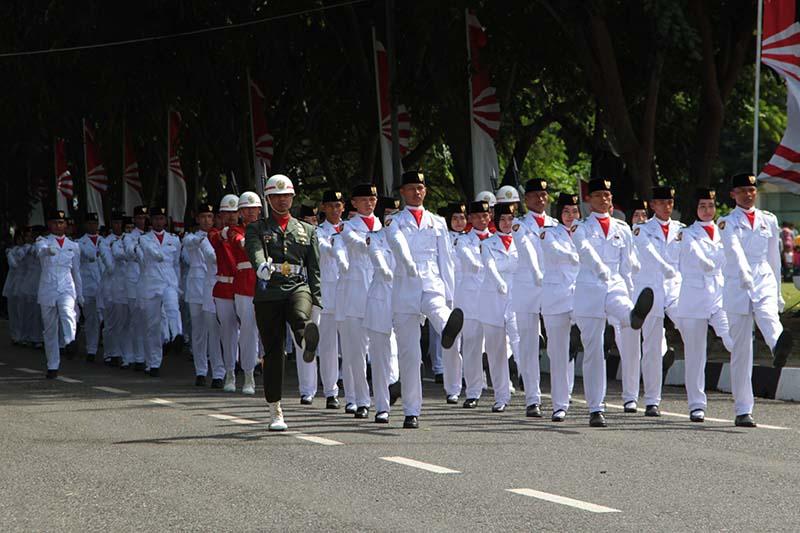 Pasukan Paskibraka bersiap melakukan pengibaran bendera upacara HUT RI ke-71 di lapangan Blang Padang (Foto M Iqbal/SeputarAceh.com)