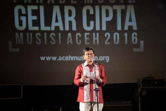 Kabid Pemasaran Disbudpar Aceh Rahmadhani, M Bus membuka acara Gelar Cipta Musisi Aceh 2016 di Amphiteater Taman Budaya, Banda Aceh (Foto M Iqbal/SeputarAceh.com)