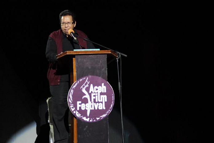 Prof Bachtiar Ali (anggota DPR-RI Komisi 1) hadir dalam acara Aceh Film Festival 2016 di Aula BKPP Banda Aceh (Foto M Iqbal/SeputarAceh.com)
