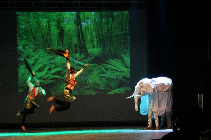Aksi teatrikal memburu gajah putih Bener Meuriah (Foto M Iqbal/SeputarAceh.com)