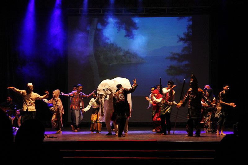 Penampilan teatrikal tentang asal usul Tari Guel dari Gayo di Ampitheater Taman Budaya (Foto M Iqbal/Seputaraceh.com)