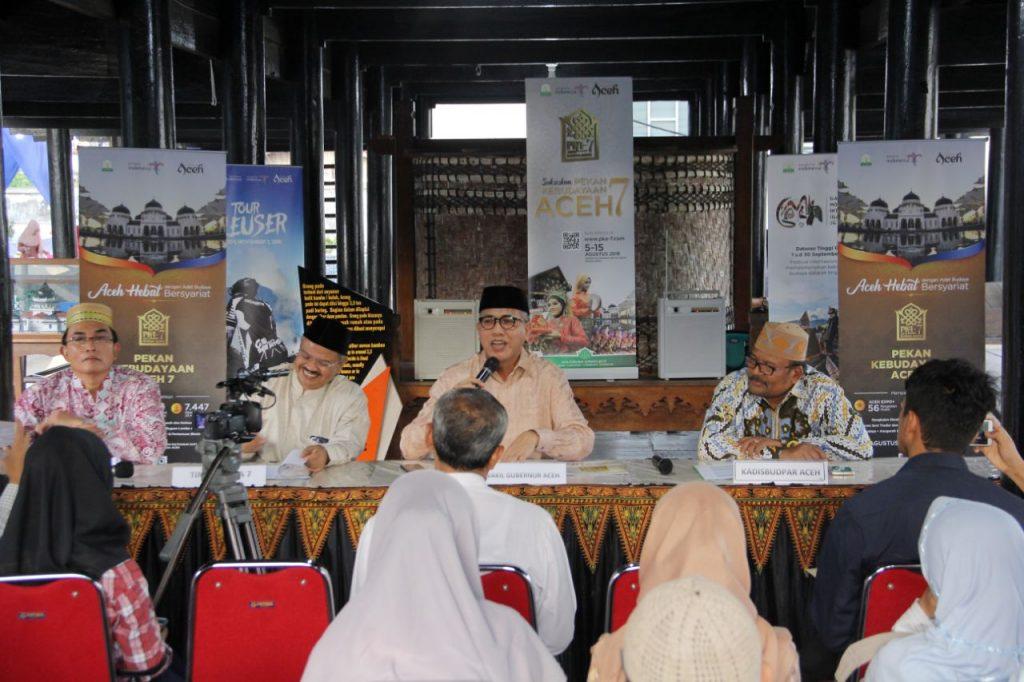 konferensi-pers-pka-vii-museum-aceh